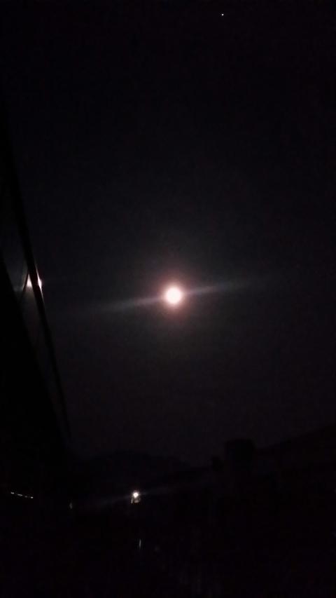 기숙사에서 바라본 보름달